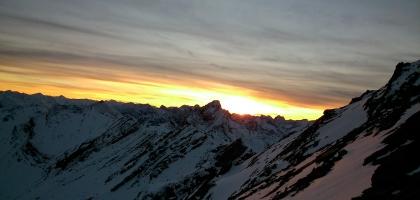 Die letzten  Sonnenstrahlen übern Rotkopf